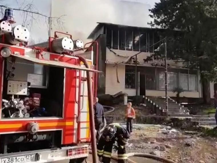 Количество пострадавших при пожаре вобщежитии вСочи возросло до23 человек