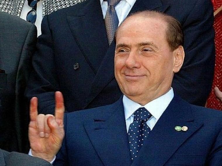 Сильвио Берлускони сталбогаче на60миллионов евро