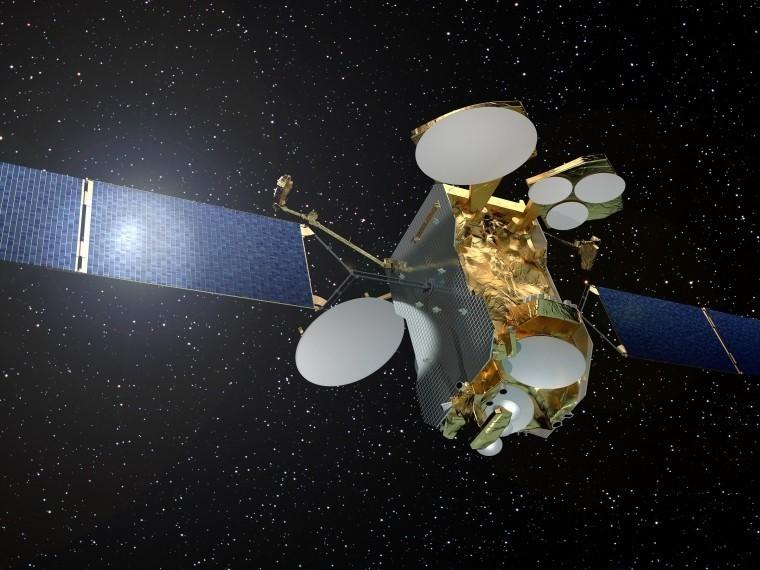 Российские космические спутники связи получат солнечные батареи рекордного размера