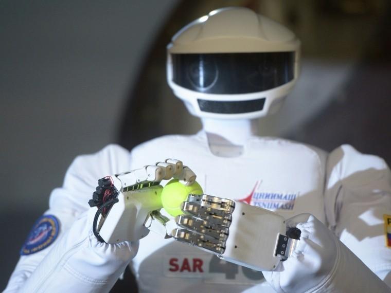 Вэкипаж корабля «Федерация» войдёт российский робот-космонавт Фёдор