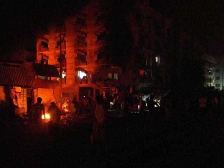 Вблизи правительственного здания вАдене произошёл мощный взрыв