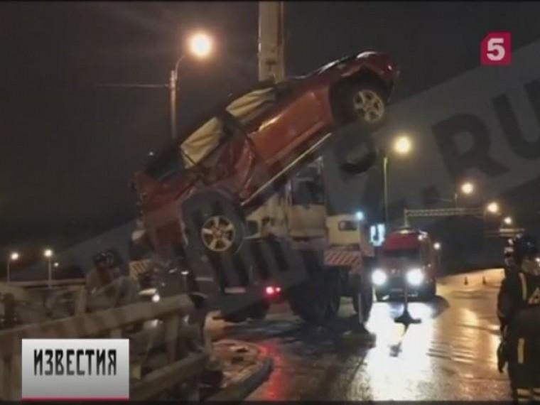 севере петербурга ночные гонки иномарки закончились аварией