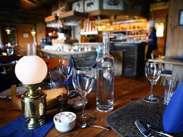 Названы лучшие рестораны икафеПетербурга