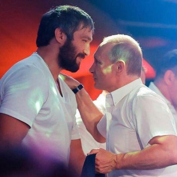 Хоккеист Александр Овечкин создал публичное движение «Команда Путина»