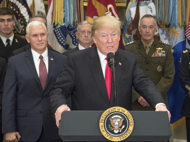 Трамп неожиданно приписал американской армии победу над ИГИЛ* вСирии