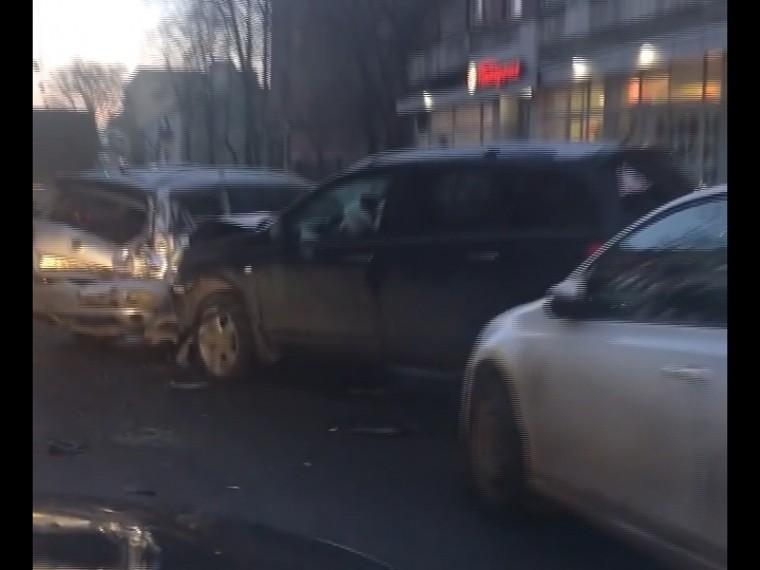 пенсионер устроил массовое дтп центре петербурга