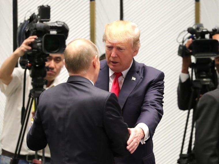 Белый дом раскрыл подробности телефонного разговора Путина сТрампом