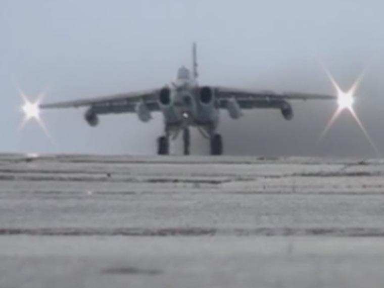 Появилось видео, накотором Су-25 поразили условные цели
