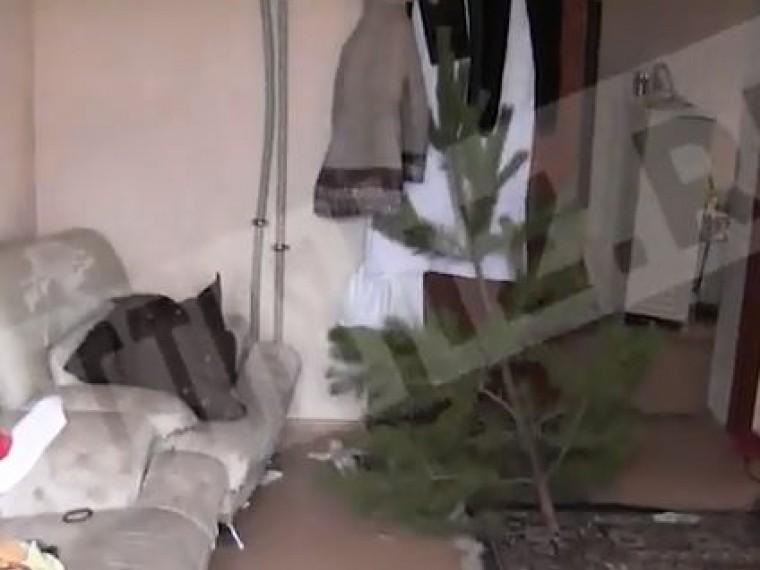 Пятый канал публикует эксклюзивное видео изквартиры, где была жестоко убита многодетная мать под Саратовом