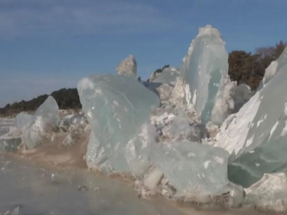 Нароссийско-китайской границе возникла внушительная ледяная стена