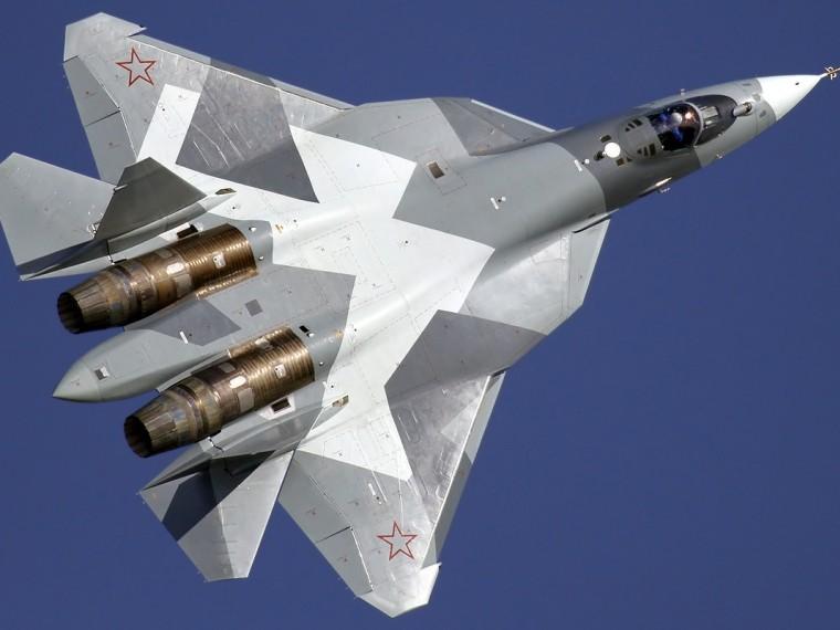 Всети опубликовали захватывающее видео посадки Су-57 вСирии