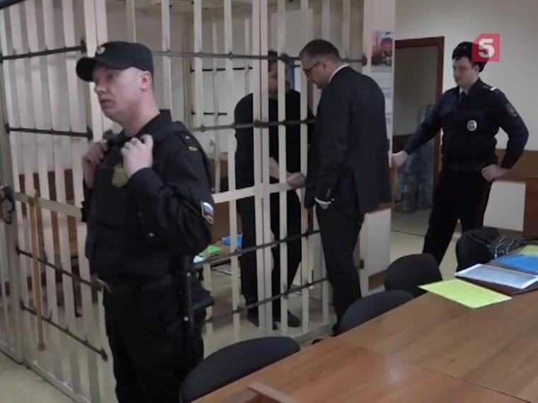 Пятый канал публикует кадры иззала суда, где проходит очередное заседание поделу Никиты Белых