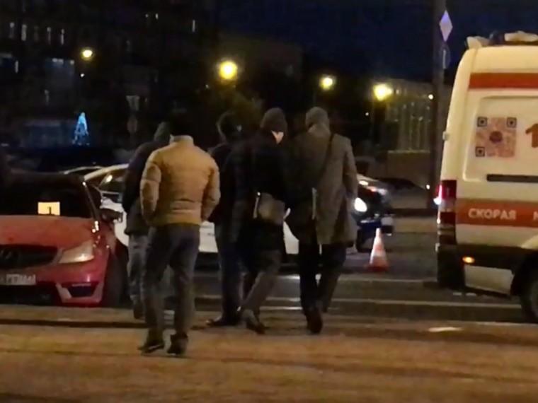 Пятый канал публикует видео последствий массового ДТП наКутузовском проспекте вМоскве