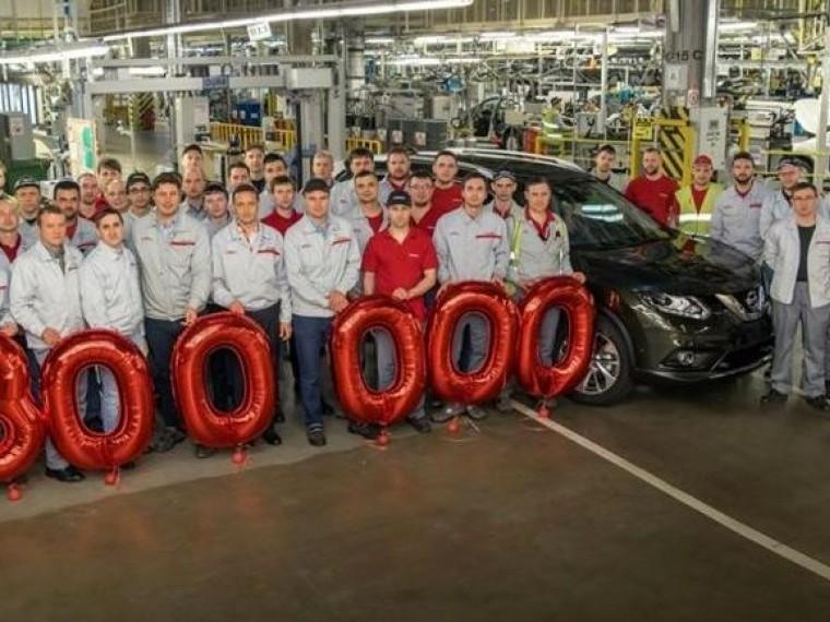 300-тысячный автомобиль Nissan сошёл сконвейера вПетербурге