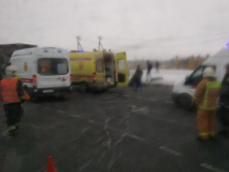 Пятый канал публикует первые кадры сместа ДТП наКолпинском шоссе
