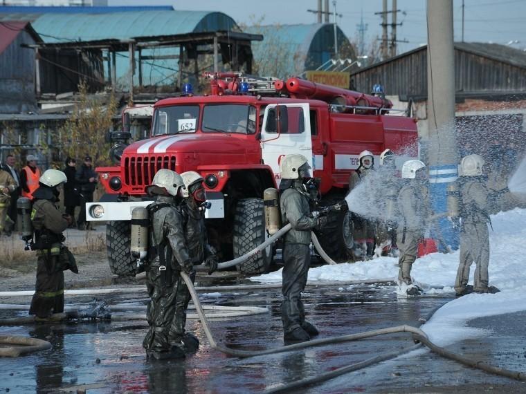 При пожаре натеплоходе вНаходке пострадал сторож