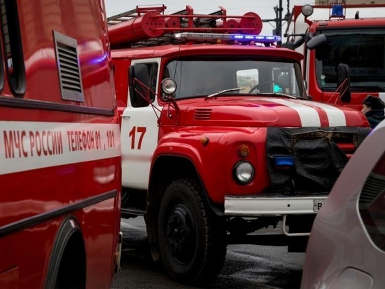 Очевидцы сообщают еще ободном пожаре наюго-западе Москвы