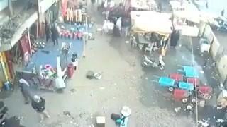 Подрыв террористов-смертников вИраке попал навидео