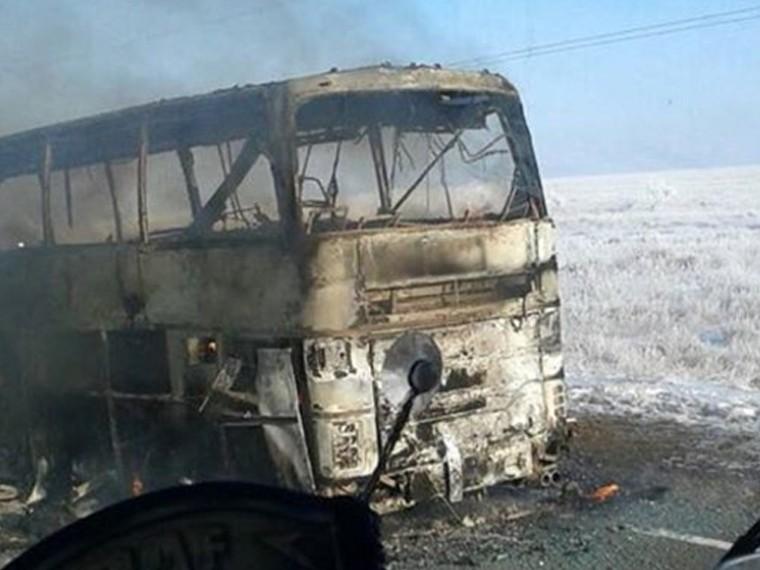 Первое видео изКазахстана, где ваварии савтобусомсгорели 52 человека