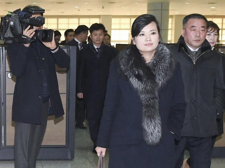 ВСеуле сожгли флаги КНДР ифото Ким Чем Ына