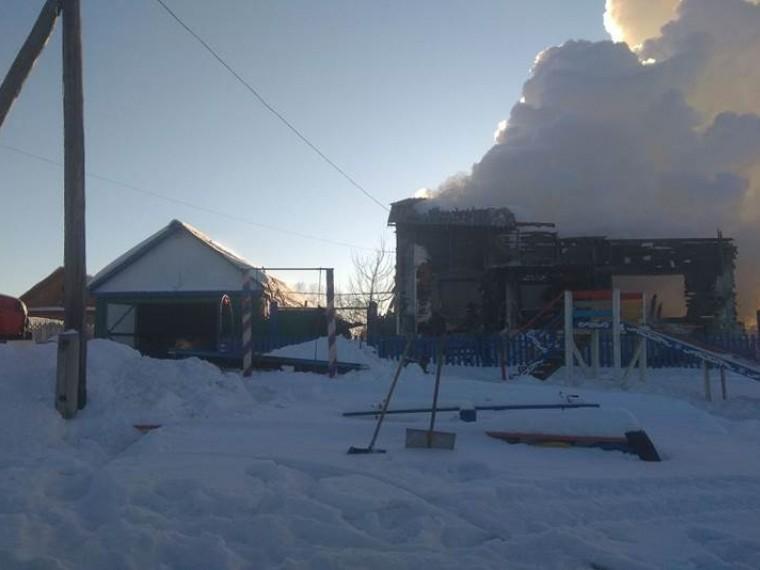Психологи работают сбратом исестрой детей, заживо сгоревших при пожаре под Омском