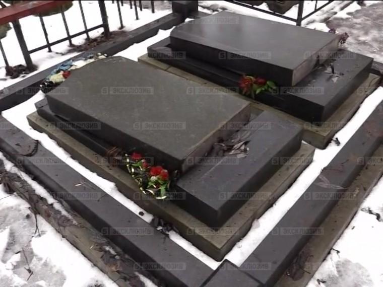 Пятый канал публикует эксклюзивное видео сразгромленного кладбища вПетербурге