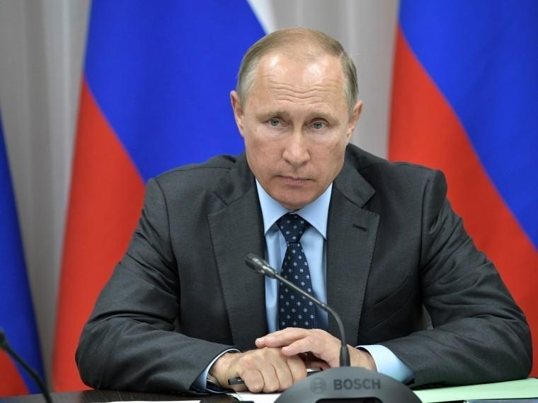Владимир Путин поздравил Саули Нийнистё, победившего навыборах президента Финляндии