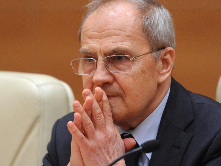совет федерации вновь назначил валерия зорькина председателем конституционного
