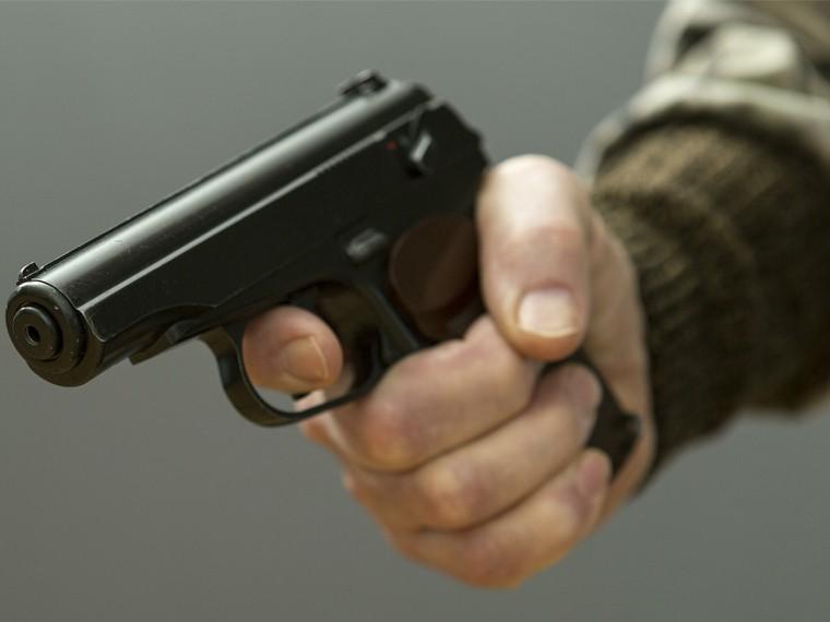 Неизвестные расстреляли мужчину водном изкафе Москвы