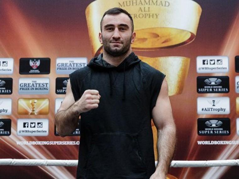 Россиянин Мурат Гассиев вышел вфинал Всемирной суперсерии бокса (WBSS)