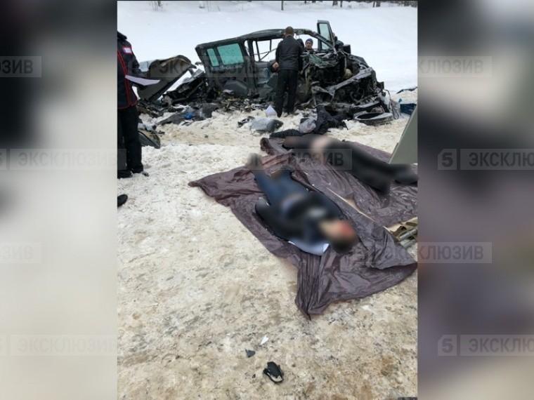 Пятый канал публикует эксклюзивные фото сместа смертельной аварии под Тихвином