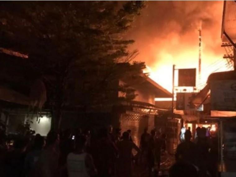 Неменее пяти человек пострадали врезультате крупнейшего пожара вТайланде