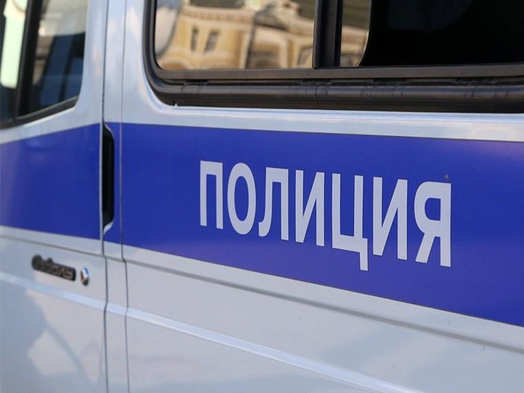 Убитого ножом человека обнаружили полицейские города Лобни всалоне автомобиля