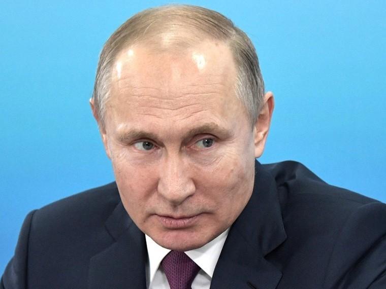 Путин поговорил потелефону сТрампом