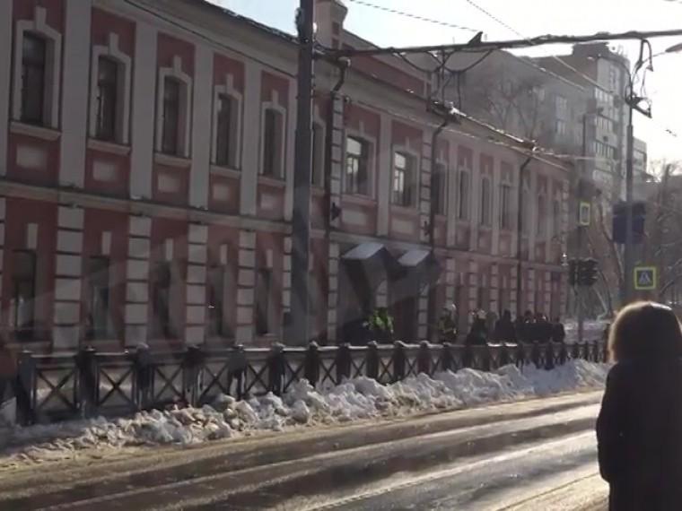 Бизнес-центр наТихвинской улице вМоскве проверяют после сообщения обугрозе взрыва