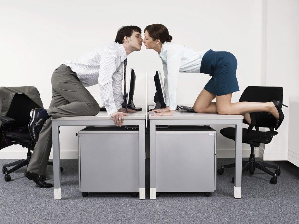 Секс с коллегой русское