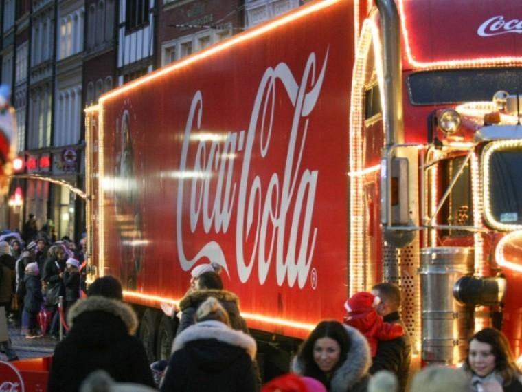 Coca-Cola терпит убытки: прибыль компании загод упала впять раз