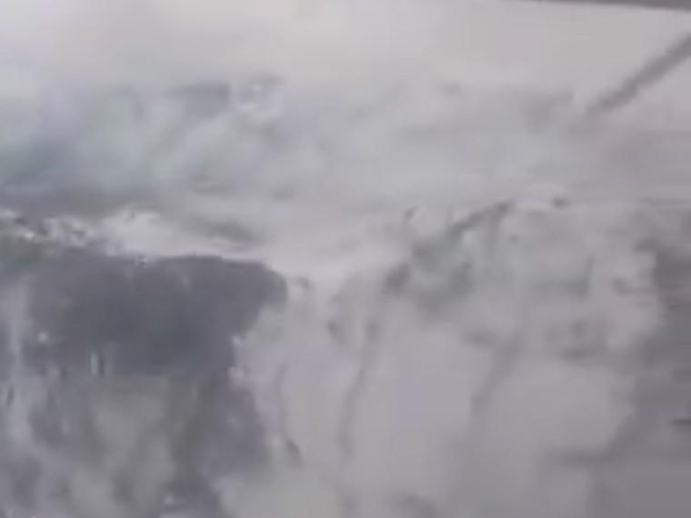 «Смертельно красиво»: появилось видео полета помаршруту разбившегося иранского лайнера