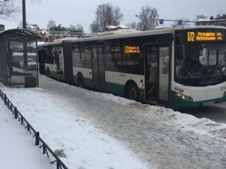пенсионер умер пытаясь зайти автобус петербурге