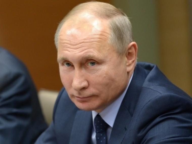 Путин выделил восемь миллиардов наподдержку некоммерческих организаций