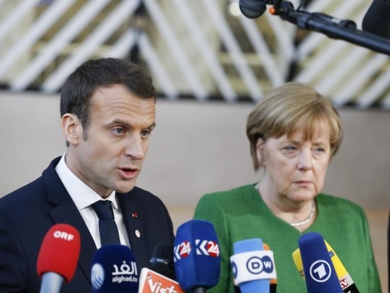 Лидеры Франции иГермании попросили Путина поддержать резолюцию СБООН поСирии
