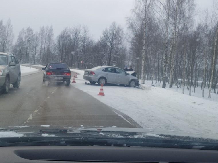 Опубликованы первые фото сместа ДТП вЛенинградской области