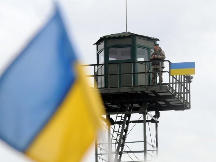 Двое украинских диверсантов подорвались намине вДонбассе