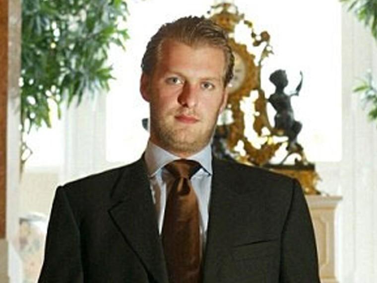 Принц-мошенник погиб вГермании, при загадочных обстоятельствах выпав изокна роскошного отеля