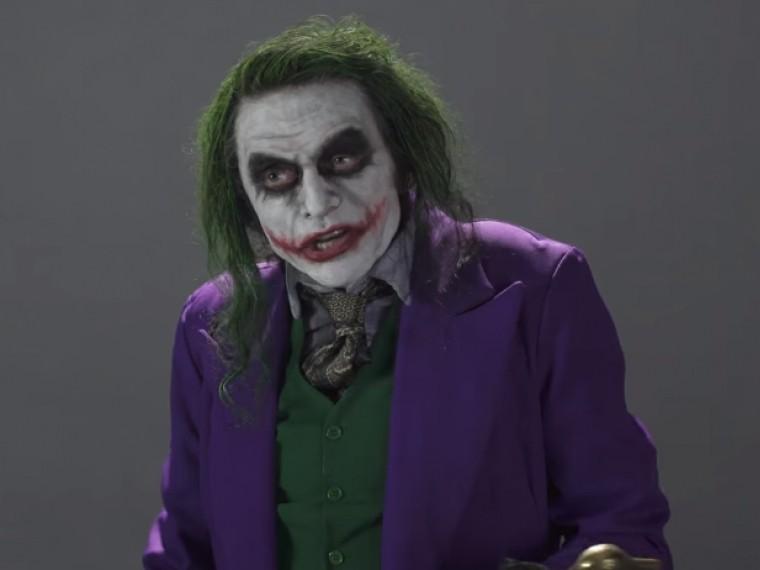 Автор одного изхудших фильмов Томми Вайсо соревнуется вталанте случшим Джокером—Хитом Леджером