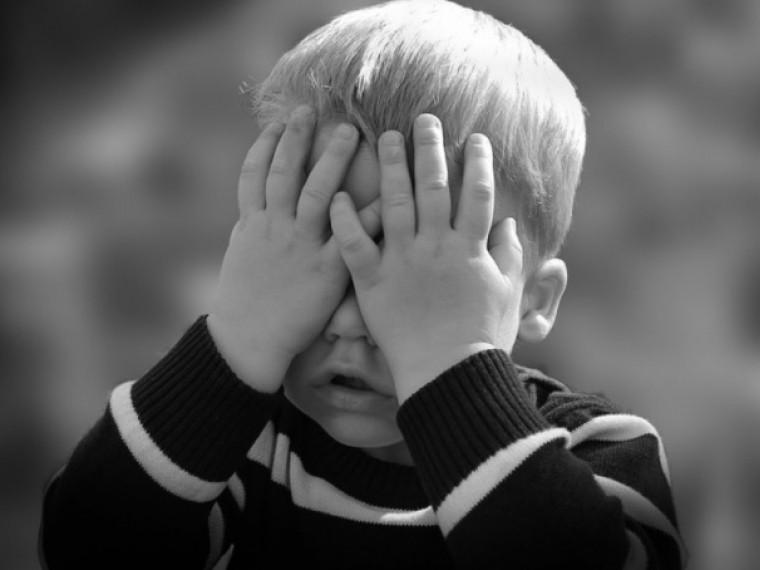 Синяки ивыбитые зубы— накануне 8марта под Киевом жестоко избили детей