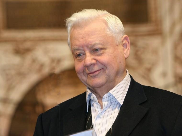 Стало известно, кто временно возглавит МХТ им.Чехова после смерти Олега Табакова
