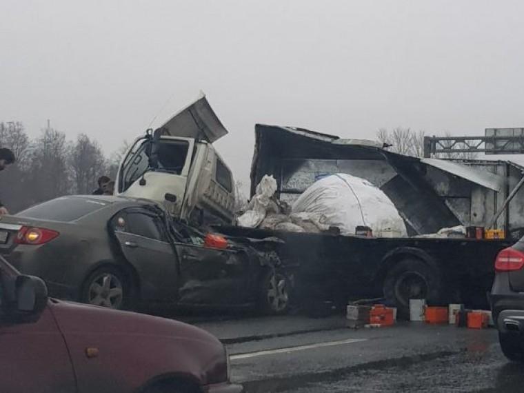 НаКАД вПетербурге серьезное ДТП— видео сместа аварии