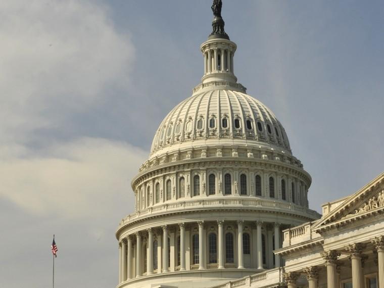 Американский сенатор призвал Белый домвнести Россию всписок стран-спонсоров терроризма