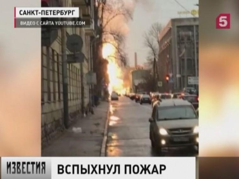 ВПетербурге тушили крупный пожар впромышленной зоне